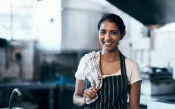 Pourquoi porter un tablier en cuisine ?